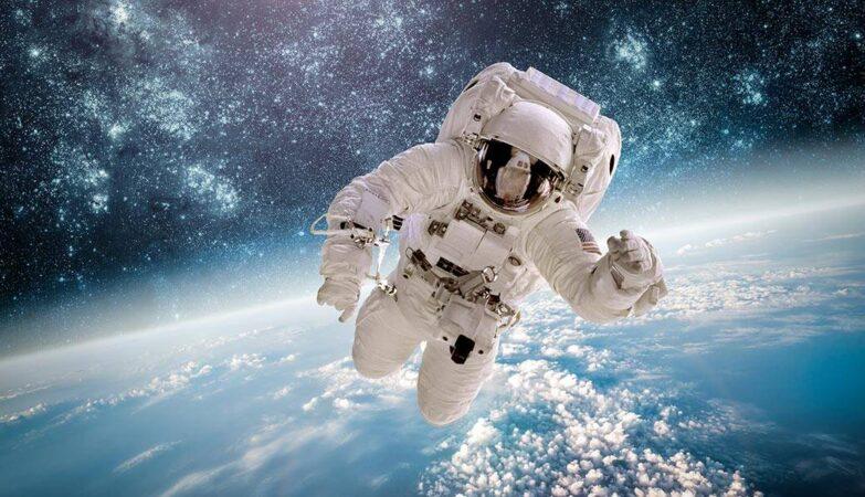 Turismo spaziale equipaggio Inspiration4